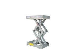 MSSTI-10-10/04: double-scissor lift table in stainless steel, maximum load: 1.000 Kg. Raised height: 930 mm.