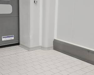 Refrigerated panel skirting