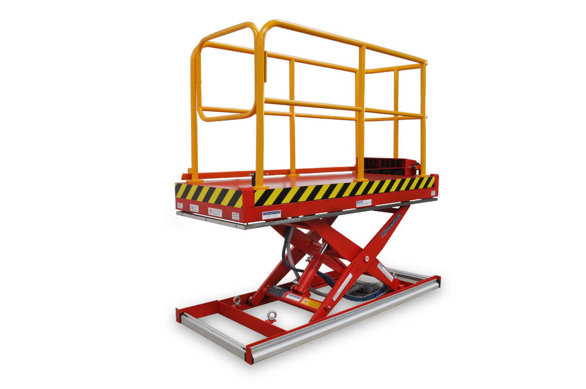 MSAP-05-09/08: single-scissor lift table in painted steel. Maximum load: 500 kg. Raised height: 900 mm. Top platform moves sideways. Handrails and access gate.