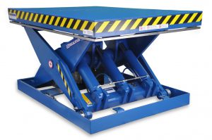 MSAP-140-12,5/15 Lift table. Built in painted steel. Maximum load 15000 Kg. Raised height: 1250 mm. Top platform dimensions 1500 x 2200mm.