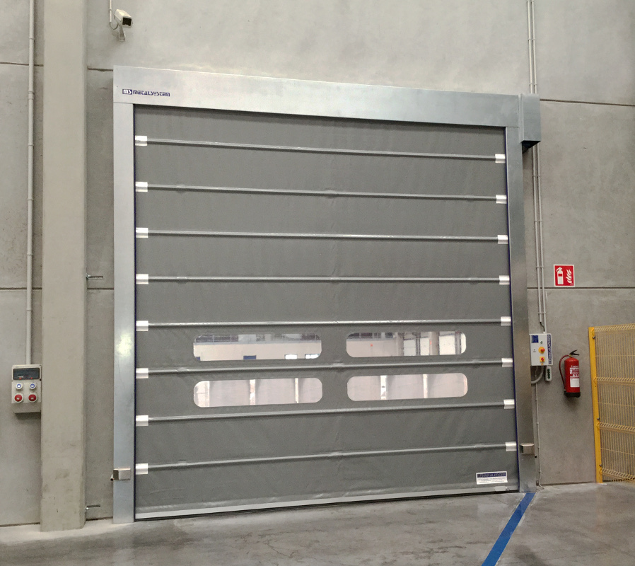 Foldsystem high speed door in galvanised steel.