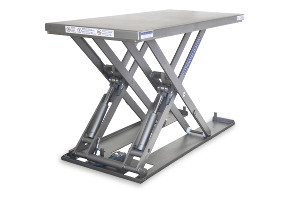MSEI-12-11,5/08 rectangular shape. Low-profile lift table fully built in stainless steel, maximum load: 1200 Kg. Raised height: 1150 mm, closed height: 90 mm, top platfor dimensions 1200 mm x 800 mm.