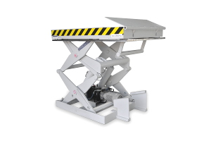 Double scissor lift table, model MSS-20-12/11. Maximum load 2.000 kg. Elevation 1.250 mm. Top platform dimensions 1.100 x 1.600 mm. With rear safety lip to prevent goods from falling off the table.