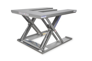 E-shaped MSEI-12-09/12: E-shaped low-profile table. 100% stainless steel. Maximum load: 1200 kg. Raised height: 900 mm. Closed height: 90 mm. Top platform: 1200 mm (W) x 1400 mm (L).