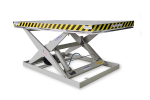 MS-30-15/16: single-scissor lift table in painted steel. Maximum load: 3000 Kg. Raised height: 1500 mm. Top platform: 1600 x 2800 mm.